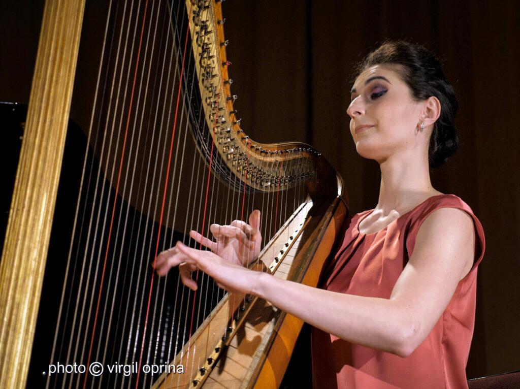 Adriana Cîlţea - harpă
